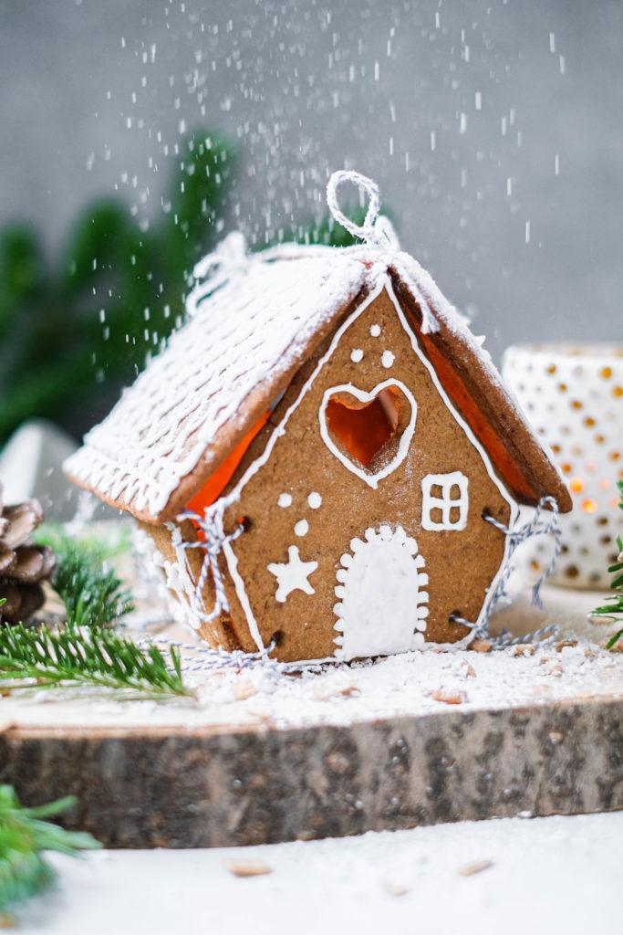 Gingerbread house of peperkoeken huisje