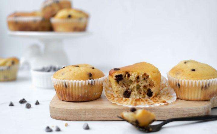Muffins met Griekse yoghurt en chocolade